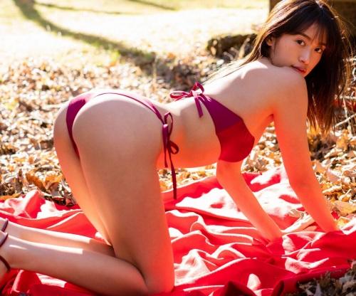 川口優菜のセクシーグラビアエロ画像010