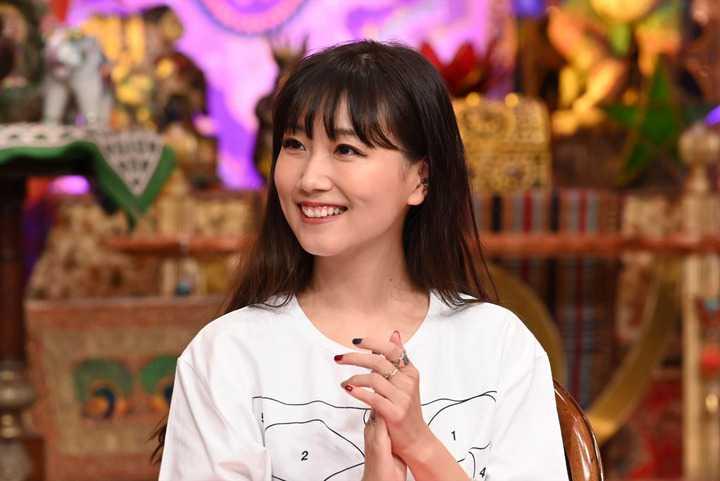 真木よう子の『今夜くらべてみました』出演時エロ画像003