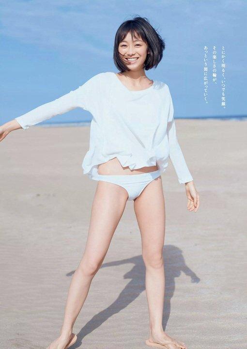 高田夏帆(22)の水着グラビアのプリケツエロ画像25枚