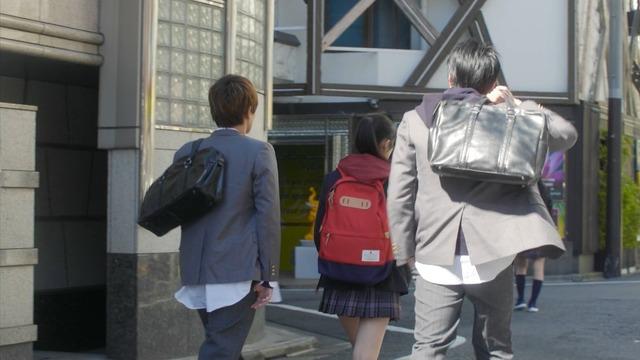 恒松祐里のキャバ嬢ドレス姿のエロ画像013