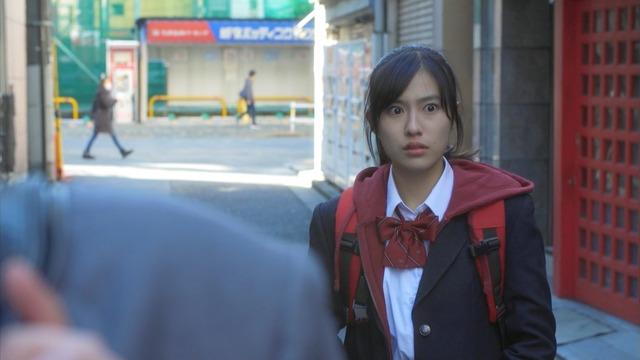 恒松祐里のキャバ嬢ドレス姿のエロ画像020