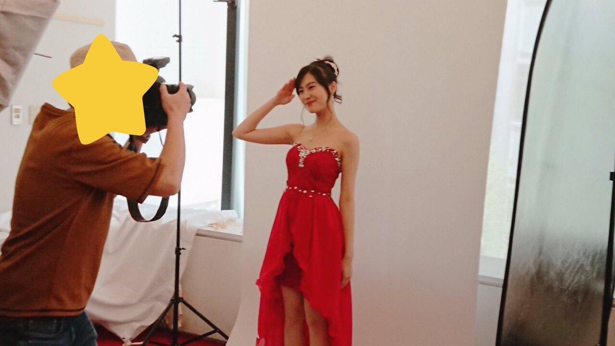 恒松祐里のキャバ嬢ドレス姿のエロ画像030