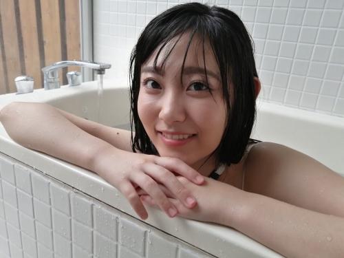 林田百加のSNS自画撮り写真エロ画像015