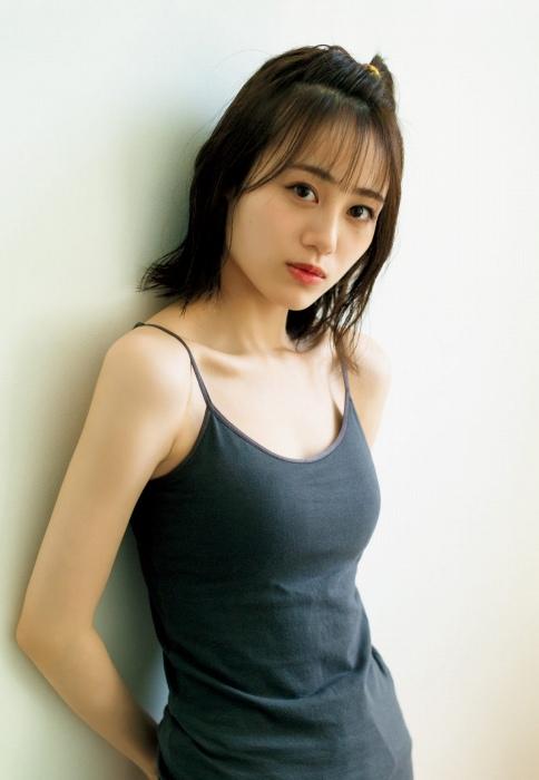 伊藤美来のセクシーなグラビアエロ画像007