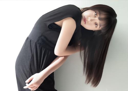 橋本環奈の『週刊少年マガジン』1号のグラビアエロ画像009