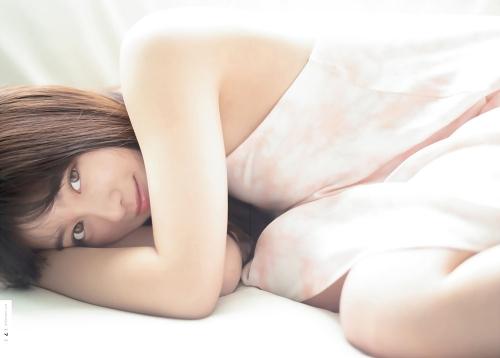 橋本環奈の『週刊少年マガジン』1号のグラビアエロ画像013