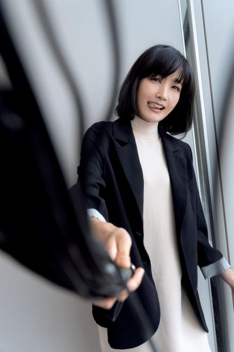佐藤江梨子のボンテージ姿のエロ画像003
