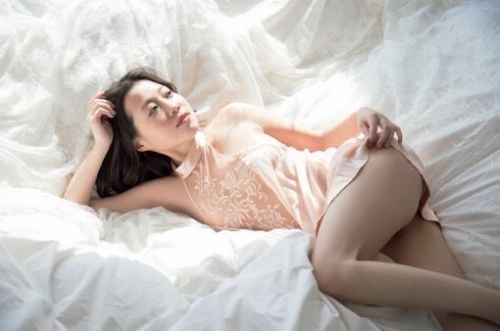 福田明日香のセクシーなグラビア画像