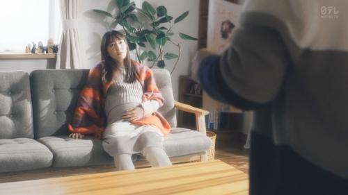 新垣結衣の『逃げ恥』の出産、妊婦姿のエロ画像017