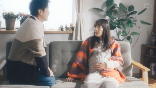 新垣結衣の『逃げ恥』の出産、妊婦姿のエロ画像014