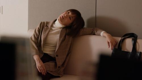 本田翼の白ニットおっぱいエロ画像007