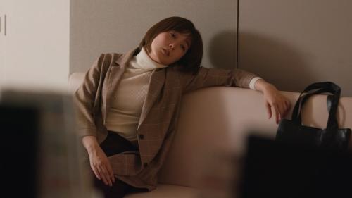 本田翼の白ニットおっぱいエロ画像008