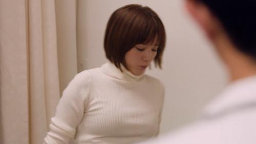 本田翼の白ニットおっぱいエロ画像019