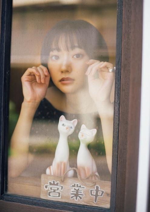 武田玲奈の美デコルテグラビアエロ画像012
