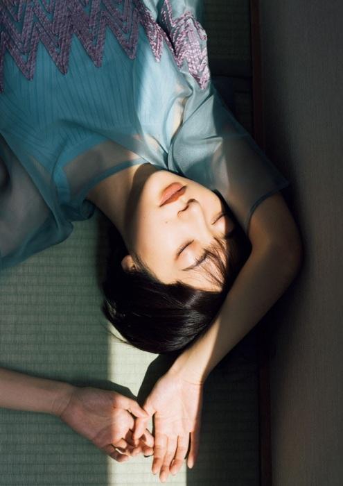 武田玲奈の美デコルテグラビアエロ画像015