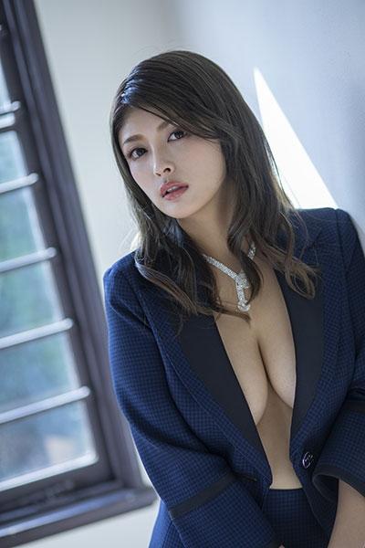ゆづか姫のファースト写真集エロ画像001