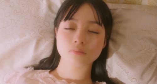 橋本環奈の『かぐや様は告らせたい』キスシーンエロ画像017
