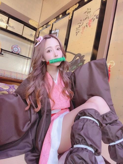 三上悠亜のSNSのセクシー自画撮りエロ画像012