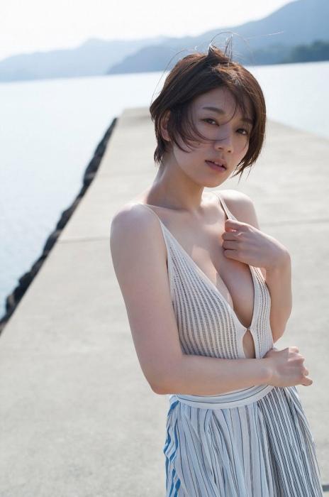 佐藤美希の水着グラビアエロ画像001