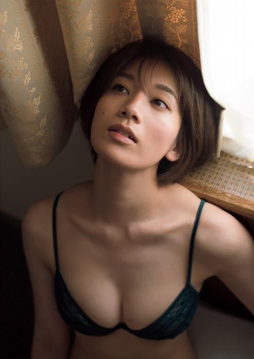 佐藤美希の水着グラビアエロ画像008