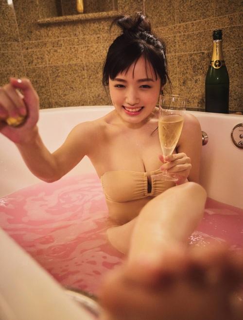 安藤咲桜の大人デートグラビアエロ画像004