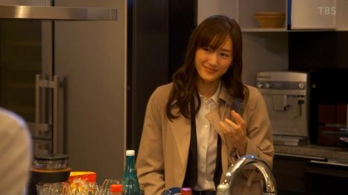 綾瀬はるかのドラマ『天国と地獄~サイコな2人~』胸チラ谷間のエロ画像014