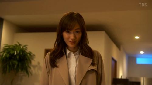 綾瀬はるかのドラマ『天国と地獄~サイコな2人~』胸チラ谷間のエロ画像020
