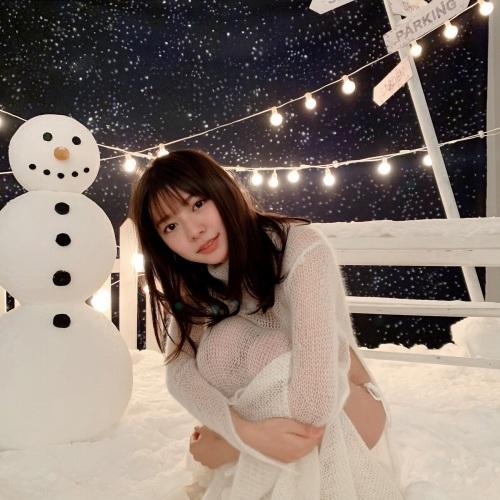 川津明日香の雪グラビアエロ画像013