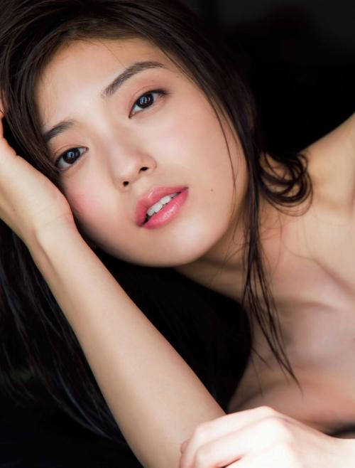 工藤美桜のFRIDAYの水着グラビアエロ画像010