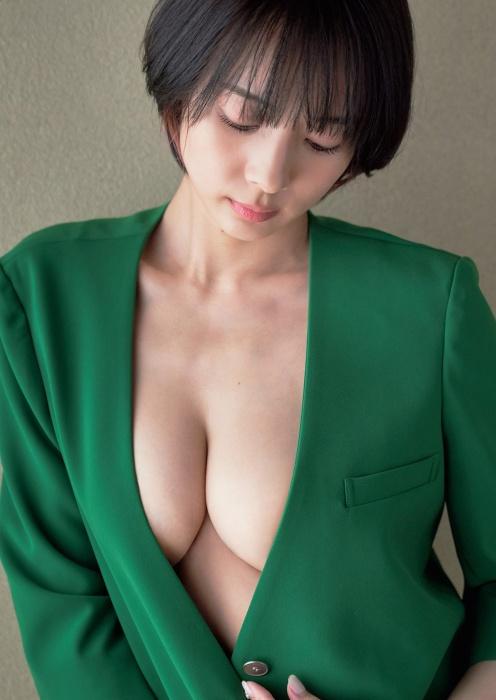 岡田紗佳のハミ乳セクシーグラビアエロ画像003