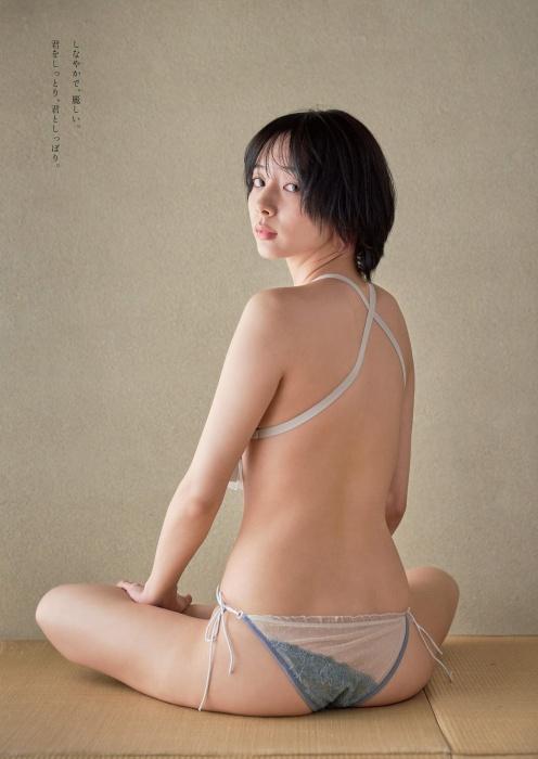 岡田紗佳のハミ乳セクシーグラビアエロ画像004
