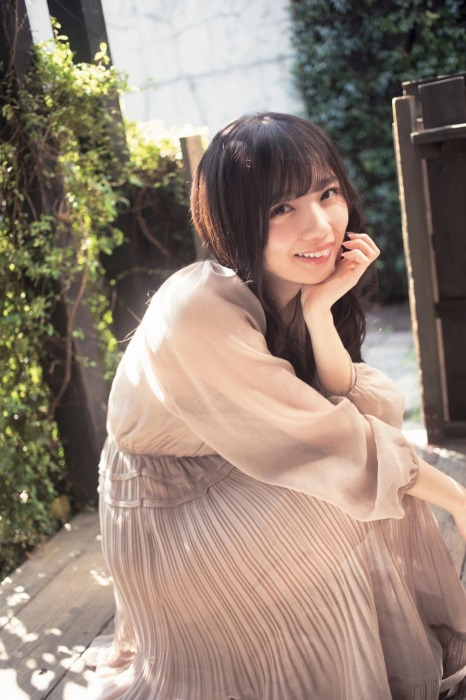 齊藤京子のあざと可愛いグラビアエロ画像012