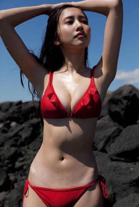 佐野ひなこの写真集『Color』のアザーカットの水着グラビアエロ画像004