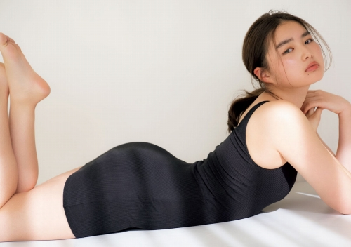 箭内夢菜のセクシーグラビアエロ画像011