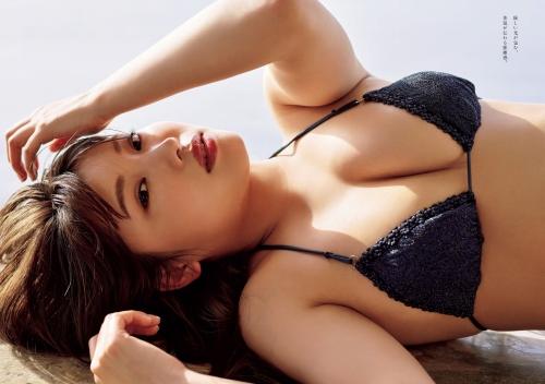 古田愛理のセクシー水着グラビアエロ画像004