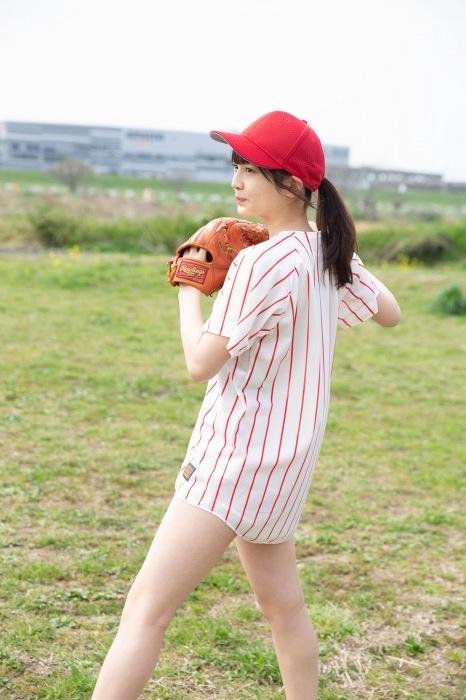 黒嵜菜々子のスク水グラビアエロ画像004