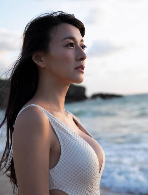 大島由香里のファースト写真集グラビアエロ画像005