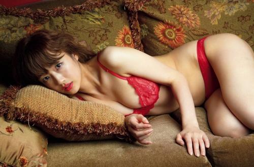 工藤里紗のセクシーグラビアエロ画像003
