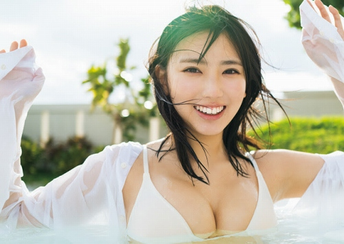 沢口愛華のセクシー水着グラビアエロ画像013