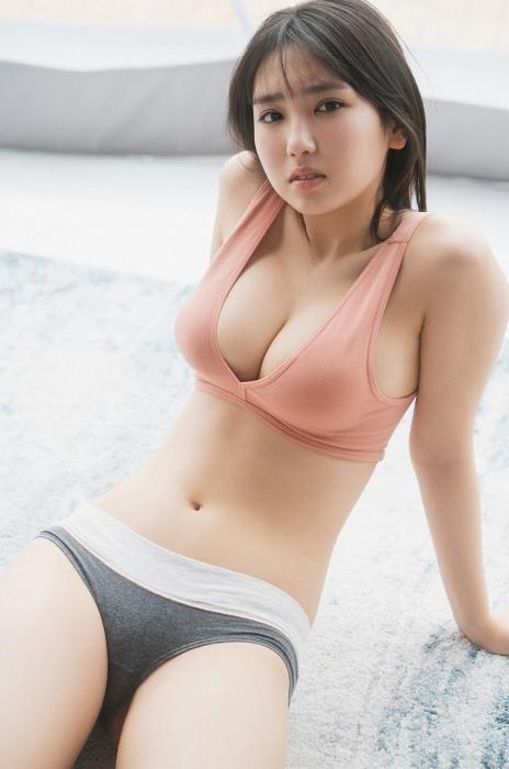 沢口愛華のセクシー水着グラビアエロ画像016
