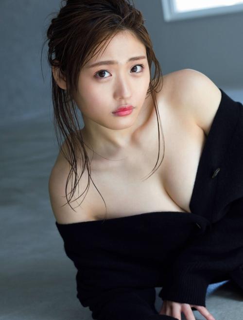 石田桃香のセクシーグラビアエロ画像003