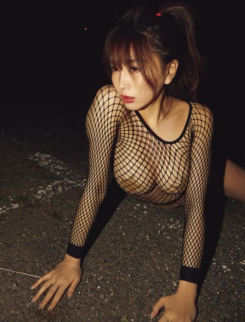 森咲智美のセクシーニプレスグラビアエロ画像003