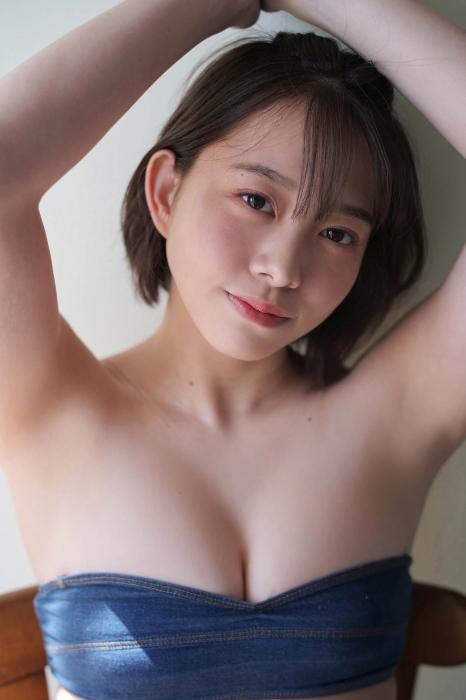 新田あゆなの水着グラビアエロ画像007