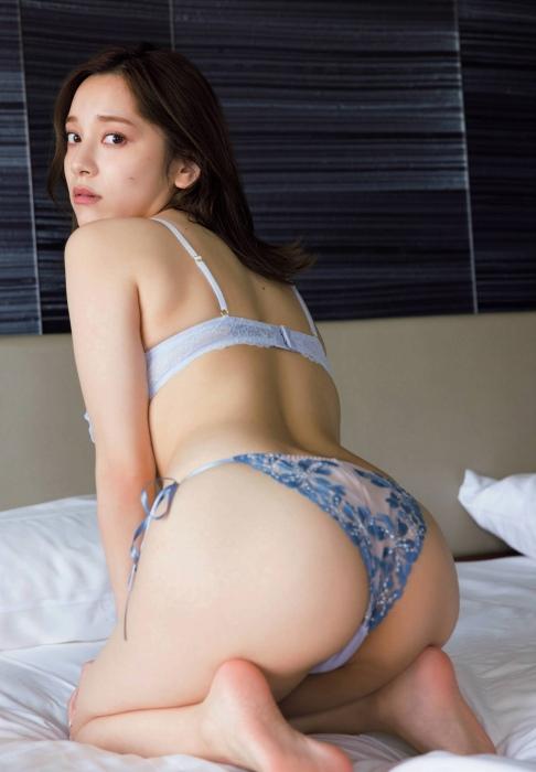 都丸紗也華のセクシーグラビアエロ画像003