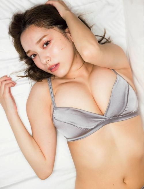 都丸紗也華のセクシーグラビアエロ画像008