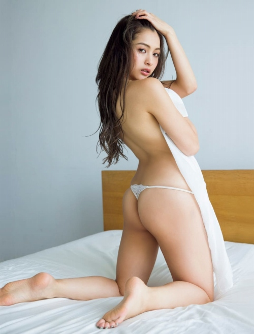 ゆきぽよの横乳ヌードグラビアエロ画像005