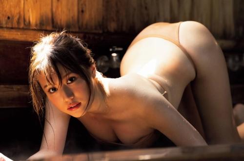 小日向ゆかの温泉グラビアエロ画像008