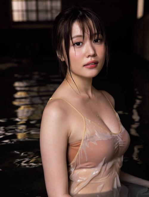 小日向ゆかの温泉グラビアエロ画像009