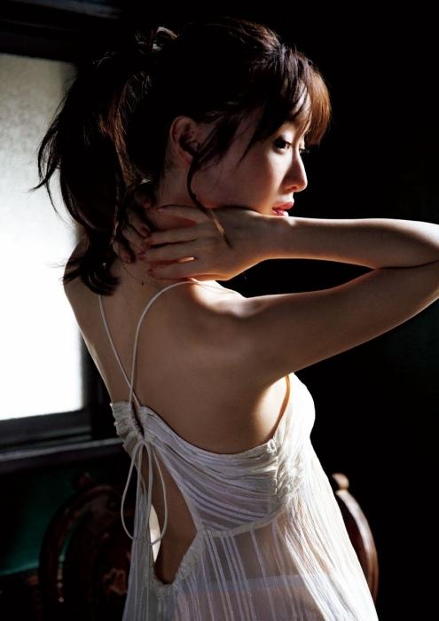 松本まりかのあざとセクシーグラビアエロ画像006
