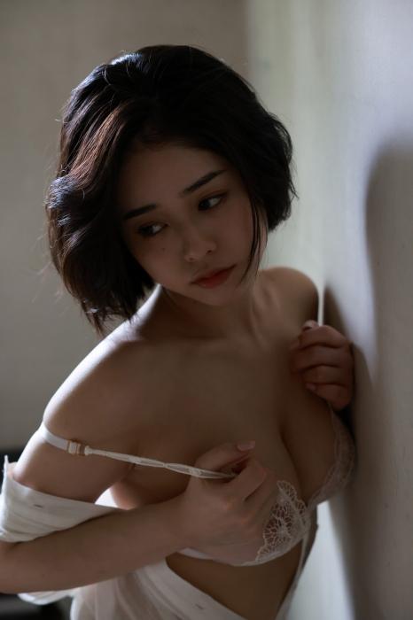 MINAMOのヘアヌードグラビアエロ画像014